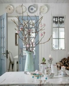 Gentle Blues Pinks And Creams Work Effortlessly Together To Make A Restful Entrance Hall Or Rustic Kitchen